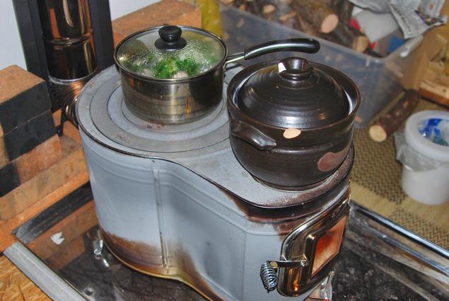 薪ストーブによる調理