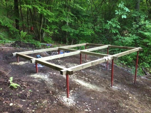 [セルフビルド・DIY]6畳の自作小屋:土台・床
