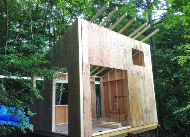 小屋暮らし・屋根の骨組み