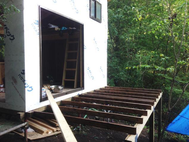 [セルフビルド・DIY]6畳の自作小屋:ウッドデッキ