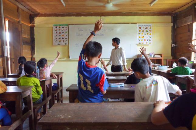 カンボジアの学校