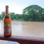 南ラオスの離島「シーパンドン」で飲むビアラオ
